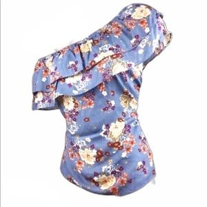 Socialite blue floral asymmetrical top size XS NEW
